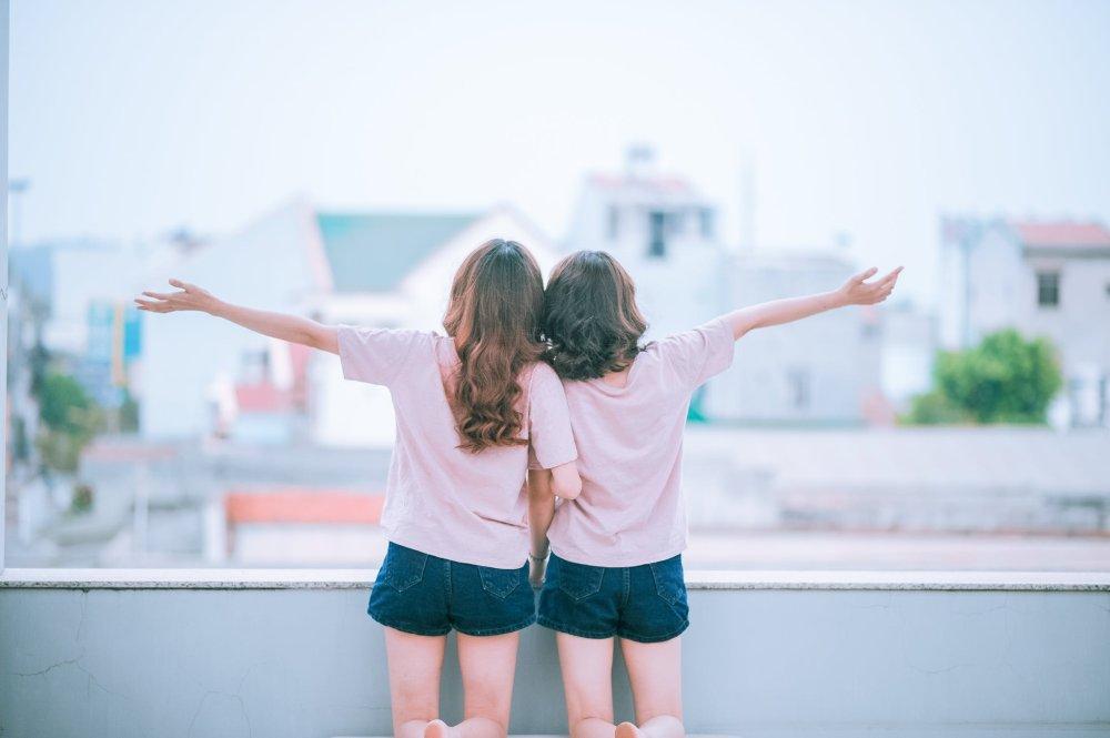 2 Mädels sind happy