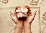 Die Morgengabe: Brauch, Geschenke & Ideen